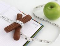Jaký by měl být váš doporučený denní příjem kalorií, abyste zhubli?