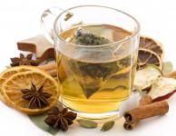 Bylinkový čaj na hubnutí ale může posloužit i jako vhodný doplněk běžného zdravého jídelníčku.