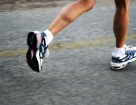 """Během náročné fyzické aktivity jako je třeba běhání se v mozku uvolňuje hormon Endorfin. Endorfin je také někdy nazývaný jako """"hormon štěstí""""."""