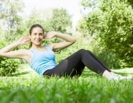 Aby se vám povedlo rychle zhubnout břicho, musíte začít cvičit. Cvičením