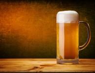 Kolik kalorií má pivo? Pokud se jedná o běžné, desetistupňové pivo, pak obsah kalorií by jednom půllitru je asi 156 kcal (tj. 655 kJ).