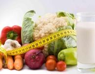 """Pokud tedy chcete shodit 10 kilo za měsíc, znamená to, že buď musíte """"spálit"""" asi o 2500 kalorií (kcal) více každý den"""
