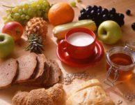 Hlavní jídla během dne často tvoří maximálně 2/3 celkového kalorického příjmu.