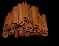 Skořice je skvělý přírodní prostředek v boji s nadváhou nebo cukrovkou.