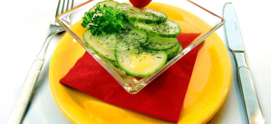 . Tím, že si dáte polévku, zeleninový sálat nebo ovocnou misku, zaženete hlad rychleji, při menším kalorickém příjmu, než u jiných jídel.
