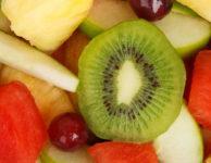 Jídelníček u dětí s nadváhou by tak (spíše než dieta), měl být jen rozumný, zdravý a vyvážený jídelníček.