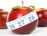 To, jak vysoký by měl být váš kalorický příjem během hubnutí, závisí na několika různých faktorech.