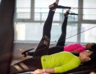 Pokud vám jde především o štíhlé a hezké nohy, je nutné do cvičebního programu zařadit příslušné cviky na formování konkrétních svalových skupin.