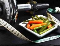 Pokud se snažíte zhubnout po porodu, pak byste určitě neměli vsázet na nějakou striktní dietu.
