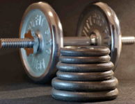 Jedno kilo tuku odpovídá cca 7500 kcal. 5 kilo je tedy cca 37500 Kcal.