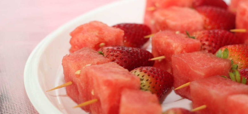 Kdy jindy, než v létě, máte šanci zhubnout pár kilo dolů? Vyzkoušejte letní dietu, kde by neměly chybět i jahody a melouny