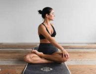 Pokud chcete zhubnout, nebo si jen trochu zlepšit fyzickou kondici, můžete poměrně jednoduše cvičit i jen doma.