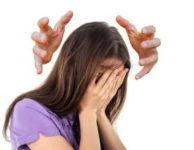 Jedním ztypických příznaků nedostatku hořčíku, je právě bolest hlavy.