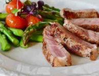 Nízkokalorické recepty pro hubnutí mohou být velmi pestré. Nemusí to být nezbytně nutně jen samá zelenina.